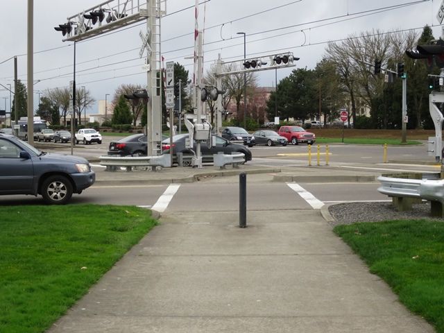 Crosswalk at 82nd and Airport Wy looking north sm